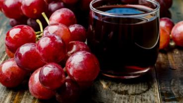 8 Benefits of drinking grape juice