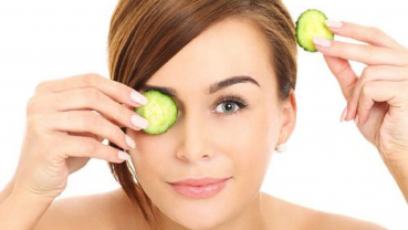 5 home remedies to fix puffy eyes