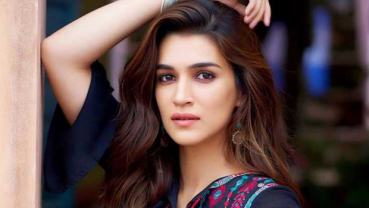 Kriti Sanon pens romantic thoughts