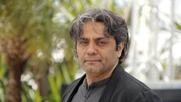 Lawyer says award-winning Iran filmmaker summoned to prison