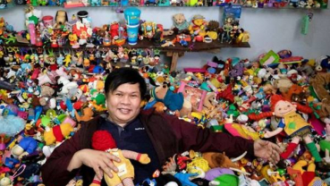 Philippine collector amasses super-sized collection of fast food restaurant toys
