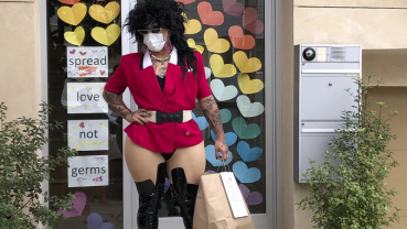 Meals on heels: San Francisco drag queens deliver amid virus