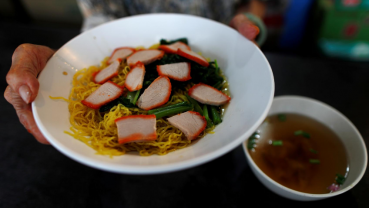"Singapore's foodie ""hawker"" culture given UNESCO recognition"
