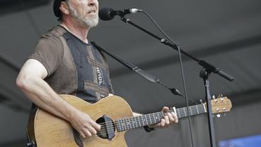 British guitarist Thompson's memoir revisits golden rock era