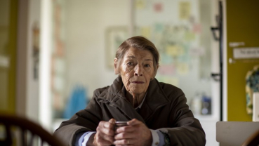 Glenda Jackson returns to screen with 'Elizabeth Is Missing'