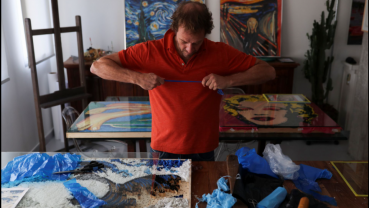 Brazilian conjures works of art from plastic bags