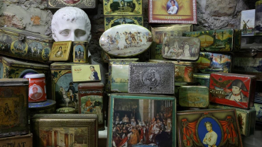 Belgian collects a treasure trove of 60,000 vintage tin boxes