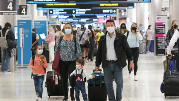 Travel numbers climb as Americans hit the road for holiday