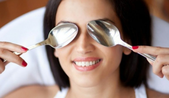 How to avoid puffy eyes in the morning