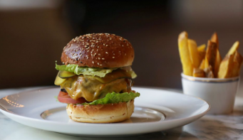 Michelin-rated chef's $20 takeaway burger a hit in Amsterdam