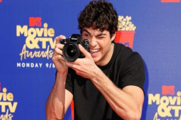 Noah Centineo wraps filming for 'To All the Boys: PS I Still Love You'