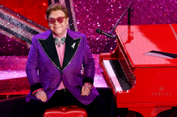 Elton John cuts concert short due to walking pneumonia