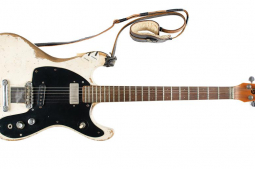 Johnny Ramone's guitar sells for more than $900,000