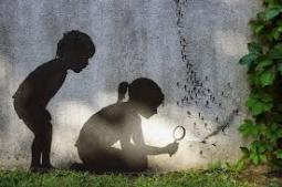 Art and human bonds in Utopian society