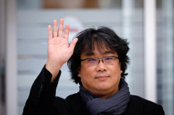 'Parasite' director Bong Joon-ho gets hero's welcome in South Korea
