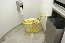 Churchill home: 2nd suspect arrested in golden toilet theft