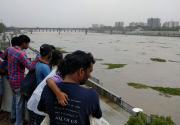 Heavy monsoon rains lash western India, killing 16