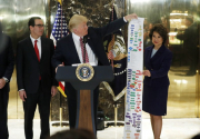 Trump signs order to speed infrastructure construction