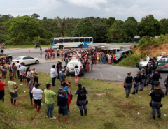 Brazil drug gangs spark prison riot, 56 dead (with video)