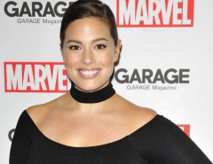 Ashley Graham poses completely nude