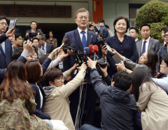 South Koreans vote for new president to succeed ousted Park