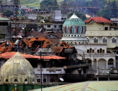 Philippines says Islamist fighters trapped in corner of besieged town