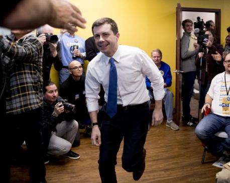 Bad start for Democrats: Big delay for leadoff Iowa results