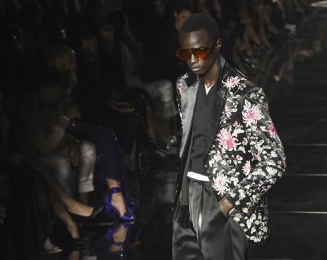Tom Ford dazzles LA with fashion week show before Oscars