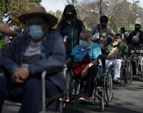 Mexico passes 345,000 dead, to start vaccinating ages 50-59