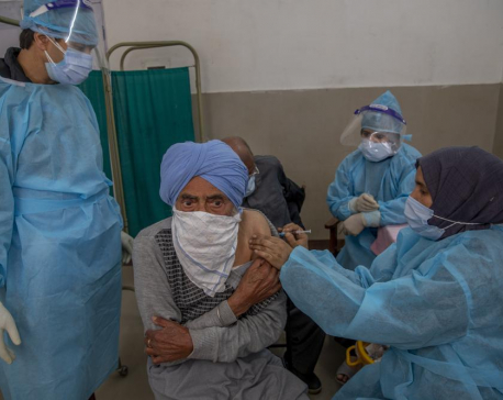 India adds another 375K virus cases, tries to vaccinate more