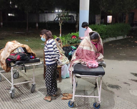 Hospitals stop admitting COVID-19 patients as govt sets quota on oxygen cylinders