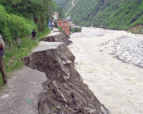 Landslide blocks Tamor, settlements at risk