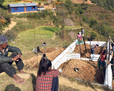 Quake victims yet to recieve house construction grants