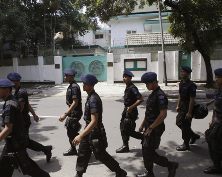 Indonesia police: 3 suspected militants killed, bombs found