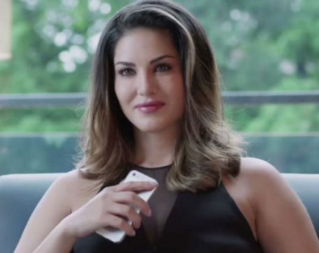 Don't like to limit myself as an actor, says Sunny Leone