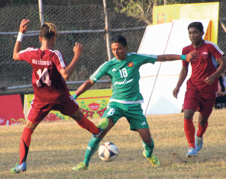 Army maintains winning run in football