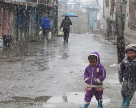 Heavy snowfall throws life  out of gear in Jumla