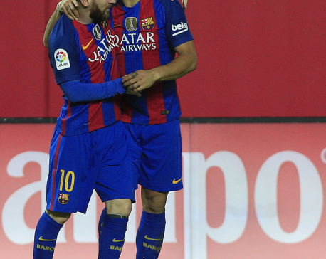 Bale keeps Madrid ahead; Messi gets his 500th goal for Barca