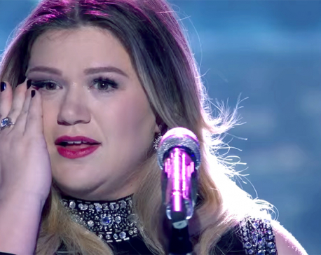 Kelly Clarkson always thinks about giving up her career