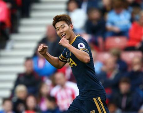 Tottenham beats Stoke 4-0 as Kane gets off the mark