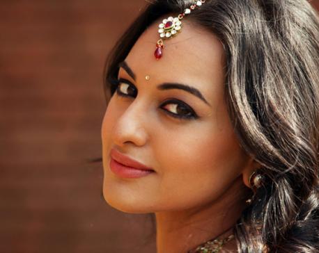 Sonakshi Sinha denies engagement rumors