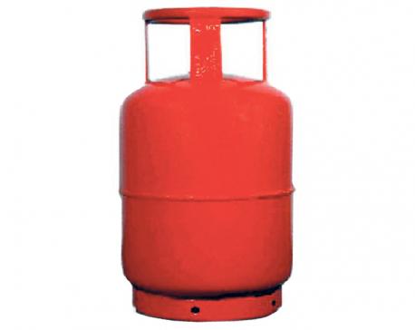 NOC still profits Rs 111.7 per LPG cylinder