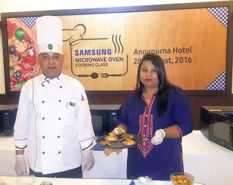 Samsung organizes microwave cooking class