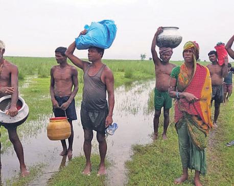 Gobargada locals await rescue as Saptakoshi rages