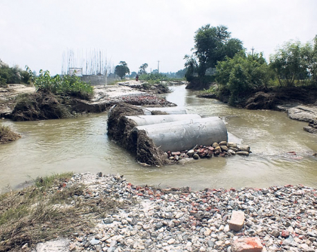 Destruction of Khando diversion affects transportation