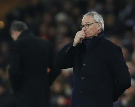 Angry Ranieri hints at dropping Leicester underperformers