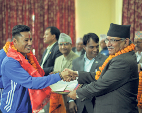 Prime Minister felicitates Solidarity Cup winners