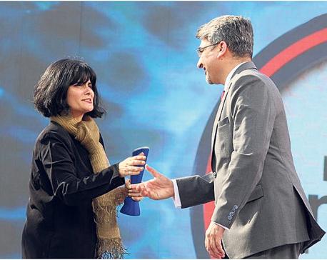Ford Endeavor wins NDTV award