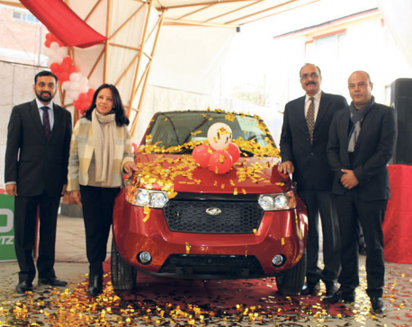 Mahindra launches e2o Sportz