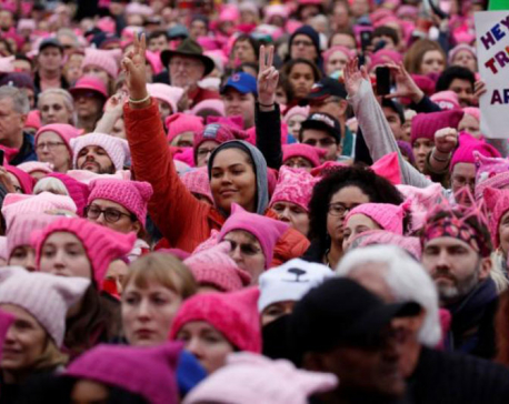 In challenge to Trump, women protesters swarm streets across U.S. (Photo Feature)